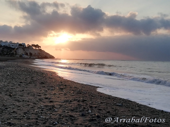 Amanecer en La playa de La Cala del Moral - Sunrise on the beach of La Cala del Moral